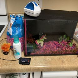 5 Gallon Aquarium with accessories for Sale in Bethany,  OK