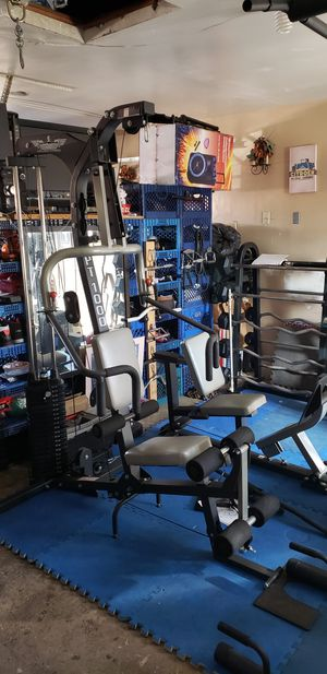 I have for sale a total home gym with Leg Press in great shape.InFlight PT1000 Personal Trainer home gym is equipped to do a total body work out for Sale in Bloomington, CA