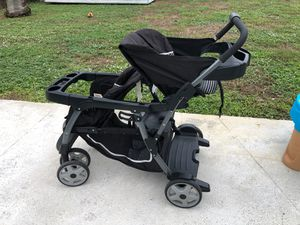 Graco double stroller for Sale in Fort Lauderdale, FL