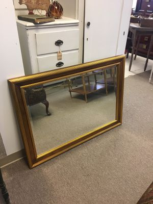 Gold trim wall mirror, great condition, beveled glass edges for Sale in Englishtown, NJ