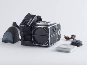 Hasselblad 503CW with extras/ recently CLA'd for Sale in Seattle, WA
