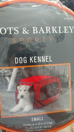 Boots and Barkley sporty dog kennel Small for Sale in NO FORT MYERS, FL