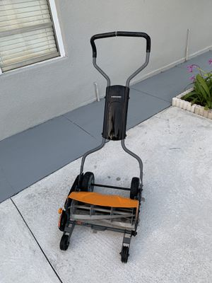 Fiskars push reel mower for Sale in Miami, FL