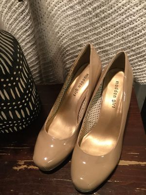 Beige patent heels size 9 for Sale in Chicago, IL
