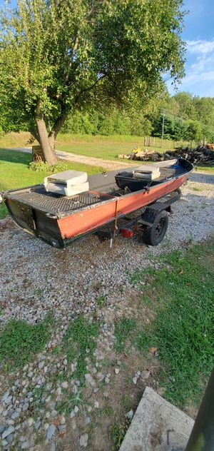 13.5 aluminum boat for Sale in Mount Vernon, OH