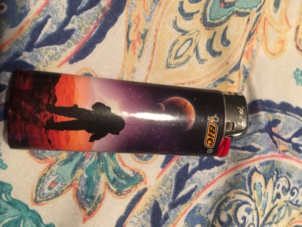 """Moon walk ""bic edition lighter"