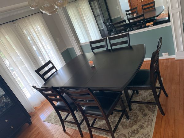 Dining table, 6 chairs and display cabinet