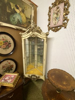 Antique French Provincial Corner Display Cabinet for Sale in Claude, TX