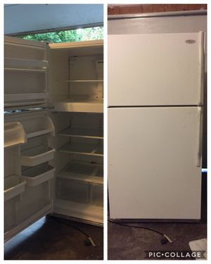 FREE Working Refrigerator for Sale in Algonquin, IL