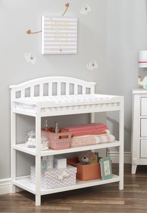 Sorelle changing table for Sale in DeSoto, TX