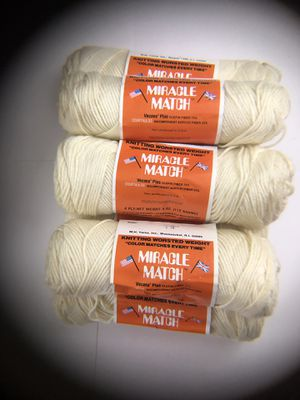 Lot of Miracle Match Knitting Worsted Weight Yarn Vecana Plus Olefin Fiber 75% Bicomponent Acrylic Fiber 25% for Sale in Edgewood, WA