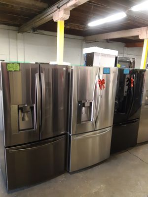 STAINLESS STEEL FRENCH DOORS FRIDGE WORKING PERFECTLY 4 MONTHS WARRANTY DELIVERY AVAILABLE SAME DAY for Sale in Baltimore, MD