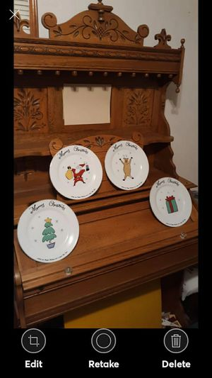 16 PC. SET OF MERRY BRITE CHRISTMAS DISHES for Sale in Lynchburg, VA