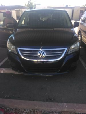 10 Volkswagen routan van for Sale in Mesa, AZ