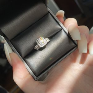 Diamond Wedding Ring Set for Sale in Los Angeles, CA