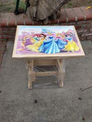 Kids desk for Sale in Santa Fe Springs, CA
