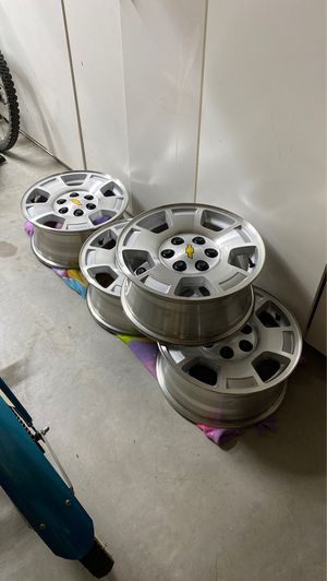 Chevrolet/ GMC Used 5 Spoke OEM Alloy Wheel Set of four for Sale in Chino, CA