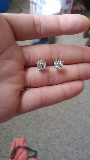 Diamond earrings for Sale in Camden, NJ