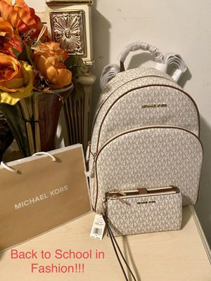 NEW!!!! Original Michael Kors backpack and wristlet wallet for Sale in Long Beach, CA