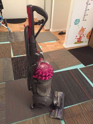 Dyson big ball vacuum for Sale in Leonia, NJ