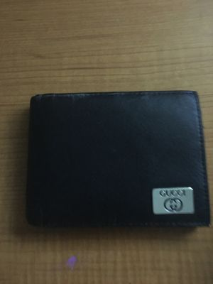 Gucci genuine leather wallet for Sale in Houston, TX