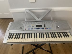 Piano / electric keyboard for Sale in North Las Vegas, NV