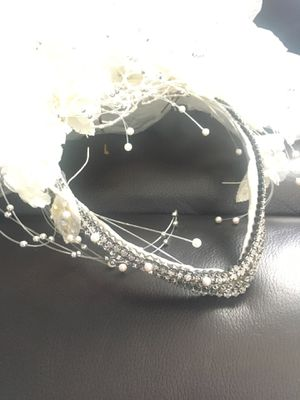 Wedding tiara for the bride for Sale in Hialeah, FL