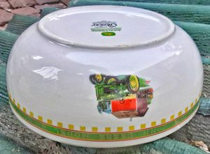 """John Deere Gibson China Large 9.5"""" serving bowl Mint Condition. for Sale in Saginaw, MI"""