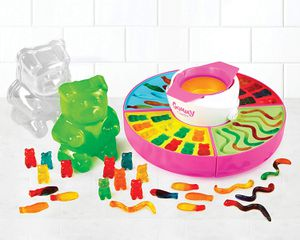 Nostalgia GCM600 Electric Giant Gummy Bear, Fish and Worm Maker - NEW in BOX for Sale in Fair Oaks, CA