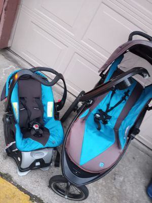 baby car seat and stroller for Sale in Houston, TX