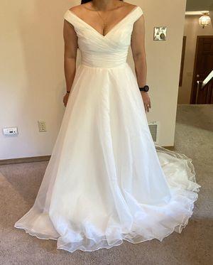 Chiffon wedding dress, Size ten for Sale in Anchorage, AK