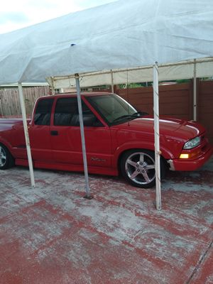Chevrolet S10 pickup truck for Sale in Fort Lauderdale, FL