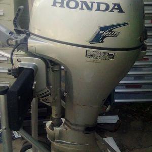 Honda 4 Stroke Boat Motor for Sale in Hacienda Heights, CA