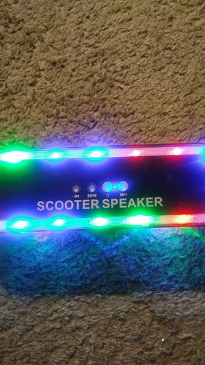 Skateboard blutooth speaker for Sale in Irving, TX