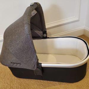 Uppa baby Bassinet for Sale in Buffalo, NY