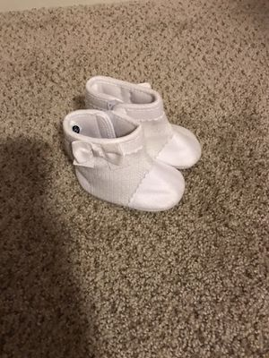 Baby girl white boots size 6 months to 9 months for Sale in Tacoma, WA