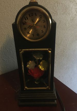 antique clock I don't need anymore for Sale in Cleveland, OH