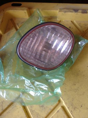 Toyota Lexus GS300 GS400 right trunk tail lens 98 99 2000 01 02 03 04 05 for Sale in Los Angeles, CA