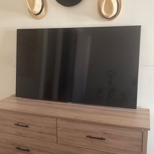 """Panasonic 58"""" Smart Tv for Sale in Queens, NY"""