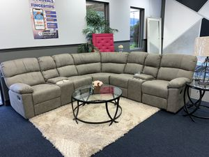 Reclining sectional with double cup holders for Sale in Lehigh Acres, FL
