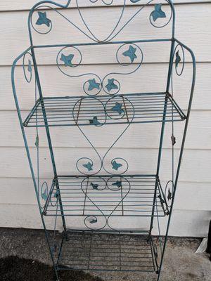 3 tier garden shelf for Sale in Cosmopolis, WA