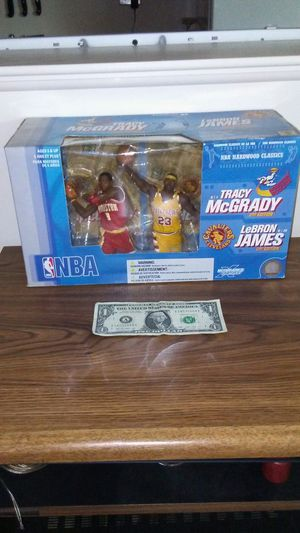 LeBron James Tracy McGrady hardwood Classics NBA action figure box set for Sale in Cleveland, OH