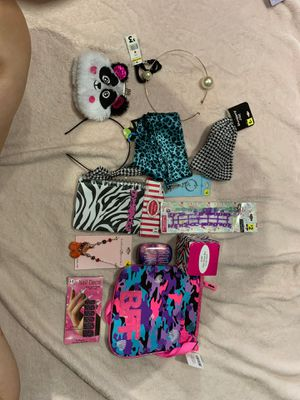 Girls Accessory Lot #6 for Sale in Painesville, OH