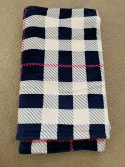 Bath and Body Works Sherpa Throw Blanket for Sale in Irvine,  CA