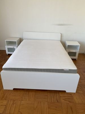 Queen size bed frame and mattress for Sale in Fairfax, VA