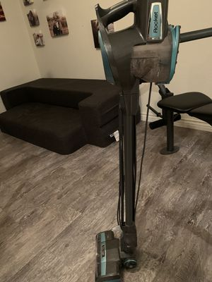 Shark vacuum w/attachments for Sale in Fort McDowell, AZ