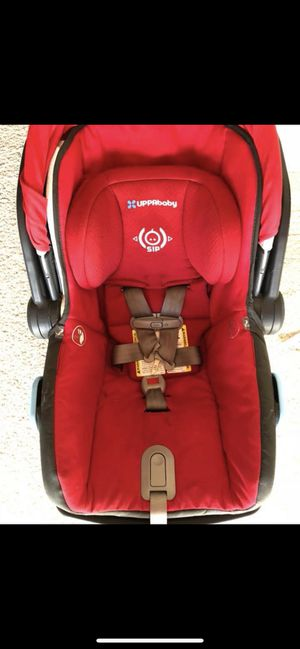 Uppa baby mesa car seat in red for Sale in San Diego, CA