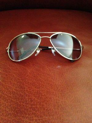 Silver steel framed aviator sunglasses for Sale in Atlanta, GA