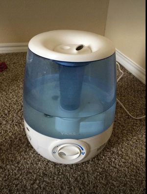Vicks filter free cool mist humidifier for Sale in Irving, TX