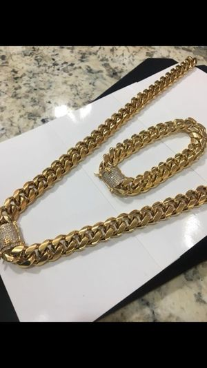 18k yellow gold plated chain and bracelet set doesn't tarnish for Sale in New York, NY
